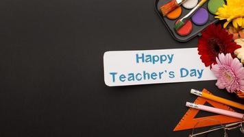 l'assortiment d'éléments de la journée des enseignants photo