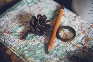 concept de voyage, clé d'objets de nature morte, rouleau de papier photo