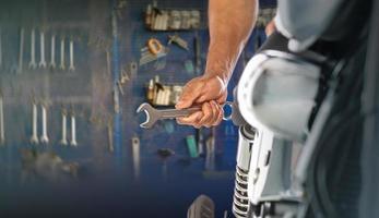 technicien mécanicien moto photo