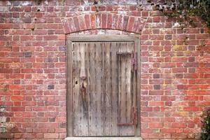 porte en bois antique rustique. photo