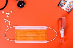 fournitures médicales sur un fond coloré comme attribut photo