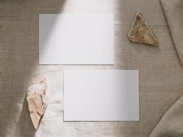 maquette de carte d'invitation, modèle de carte de voeux vierge. mise à plat photo