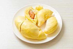 durian mûr et frais, zeste de durian photo
