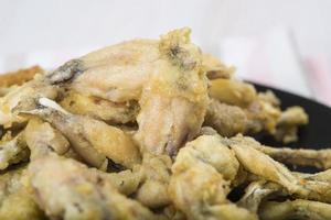 cuisses de grenouilles frites photo