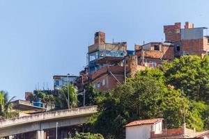 maisons de colline de tuyau à rio de janeiro. photo