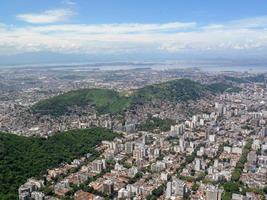 vue sur la ville de rio de janeiro vue depuis le sommet du pic perdu photo