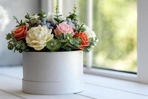 bouquet de belles fleurs roses lumineuses photo