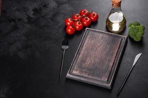 ingrédients de la cuisine italienne pour faire un plat méditerranéen photo