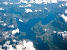 vue aérienne du lac des Quatre-Cantons photo