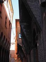 vue sur le vieux centre-ville de bologne photo