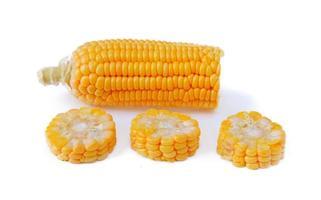 maïs sucré isolé sur fond blanc photo
