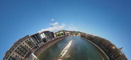 vue sur la ville de vérone photo
