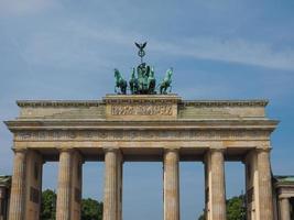 Brandenburger tor la porte de Brandebourg à Berlin photo