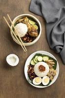 arrangement de repas traditionnel nasi lemak photo