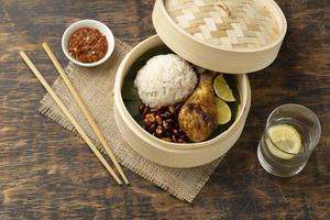 composition de repas traditionnel nasi lemak photo