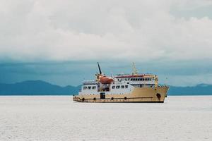 navire à passagers en mer photo