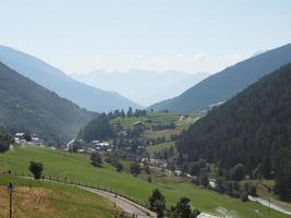 montagnes de la vallée d'aoste photo