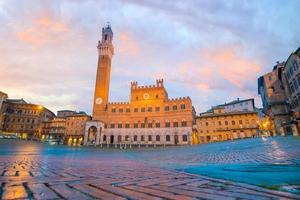 Piazza del Campo à Sienne, Italie photo