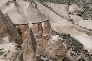 cheminées de fées en cappadoce, turquie, paysage de cheminées de fées photo