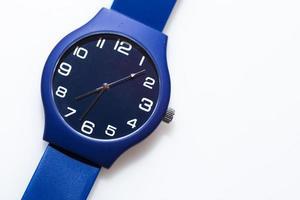montre-bracelet sur fond blanc photo