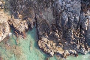 vue aérienne de la mer incroyable de haut en bas fond de la nature du bord de mer photo