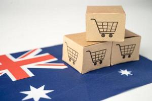 boîte avec logo panier et drapeau australien, import export photo