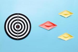 leader professionnel conduit à la cible du concept d'entreprise photo