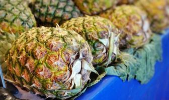 ananas aux fruits sains et frais photo