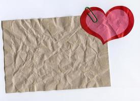 autocollant en carton et en forme de coeur photo