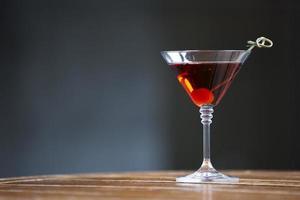 cocktail d'alcool sur un beau fond photo