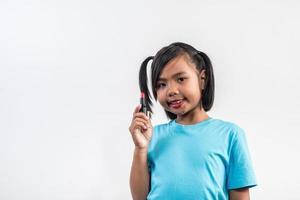 portrait petite fille maquillage avec son visage. photo