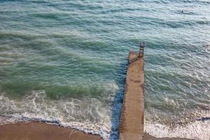 eaux claires et bleues de la mer Égée pour les touristes photo