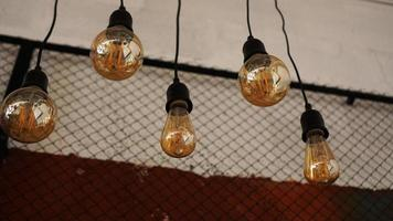 Ampoules décoratives antiques au tungstène de style edison photo
