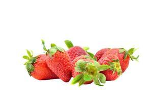 fraises isolées sur fond blanc. photo