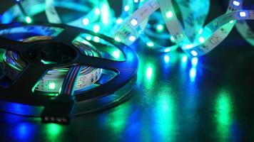 bande de diodes pour la décoration des intérieurs. ruban de lumières led. photo