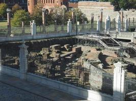 ruines du théâtre romain de turin photo