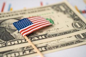 Drapeau des États-Unis d'Amérique sur les billets en dollars photo