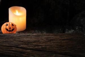 décoration de ton sombre de lanterne de citrouille fantasmagorique d'halloween photo