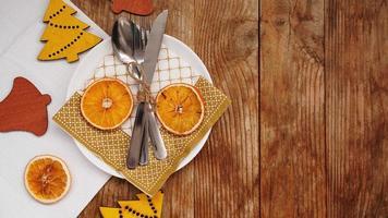 vue aérienne du réglage de la table sur une table en bois avec espace de copie photo