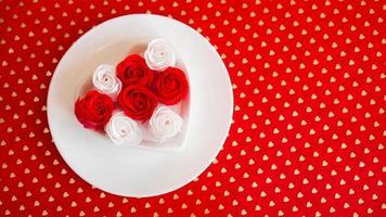 couvert en rouge et blanc - pour la Saint-Valentin ou autre événement photo
