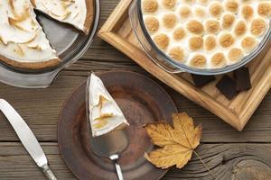 arrangement de table de desserts des mœurs savoureuses photo