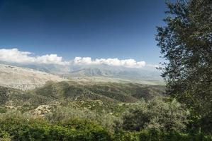 campagne d'albanie du sud paysage pittoresque vue sur journée ensoleillée près de sarande photo