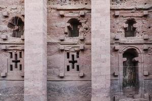 Célèbres églises rupestres chrétiennes orthodoxes éthiopiennes antiques de lalibela ethiopie photo