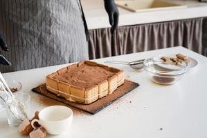 Gâteau tiramisu maison dessert italien traditionnel photo