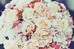 gros bouquet de fleurs, style effet rétro vintage. photo