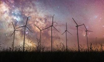 voie lactée avec des moulins à vent photo