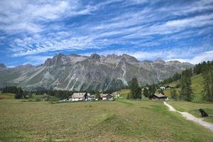 aperçus du val fex sur les alpes suisses photo