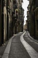 vieille ruelle en perspective photo
