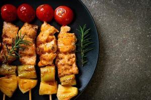 brochette de poulet grillé au barbecue photo