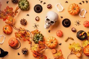 décorations de vacances d'halloween avec des citrouilles photo